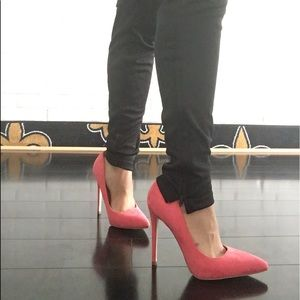 Shoes - 🛍 CLEARANCE Sophisticated Pink Pointed Heel